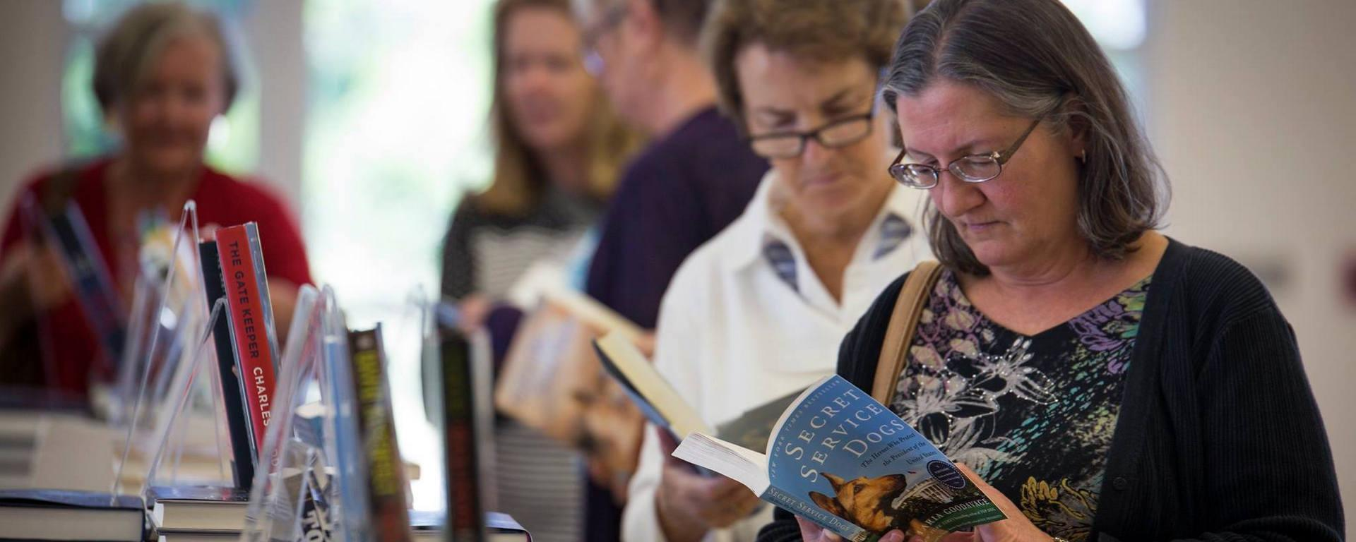 readers in line at the book sale