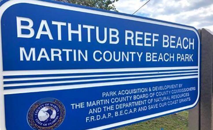 Bathtub Reef Beach signage