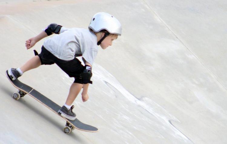 A skater enjoying Pat Mark Rio Skate Park.